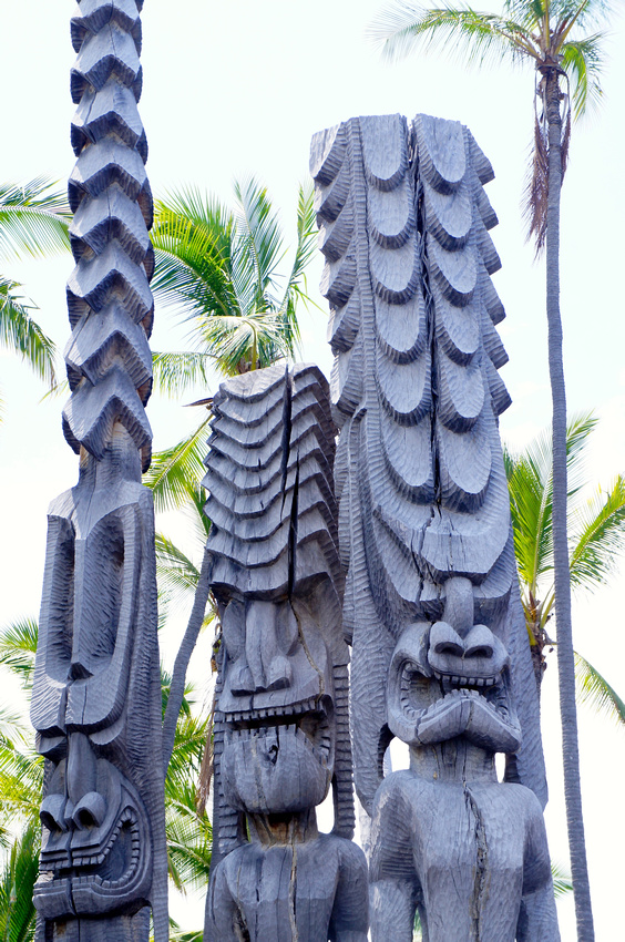 Ki'i wooden statues were used by Hawaiians to mark the sacred grounds.