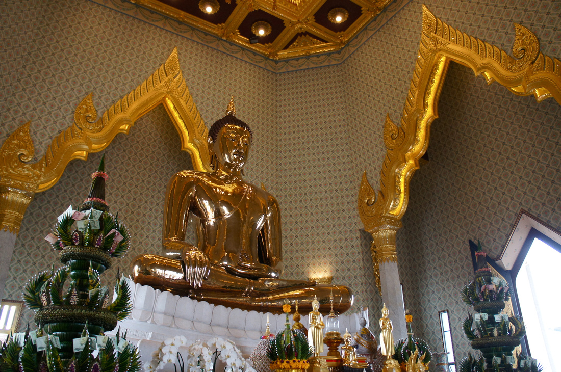 Golden Buddha at Wat Traimit weights 5.5 tons and is made of pure gold.