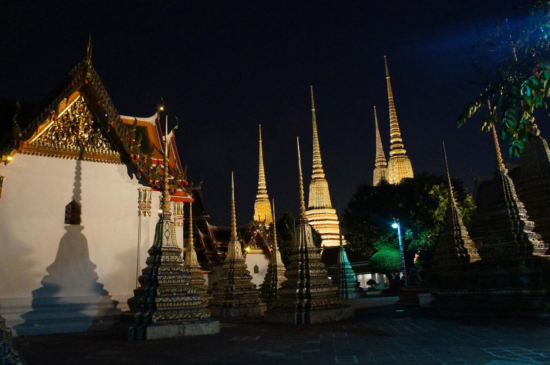 Wat Pho glistening at night.