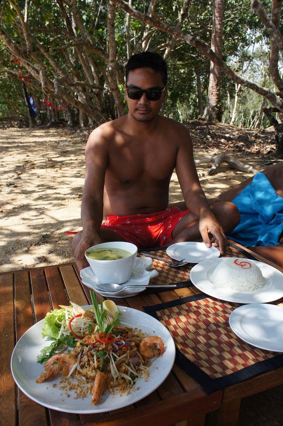 The restaurant on the beach served some of the best Thai food we've ever had. These plates were gone in minutes.