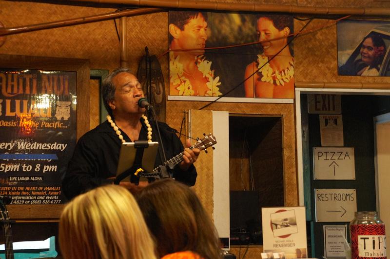 Live music at Tahiti Nui, Kauai, Hawaii